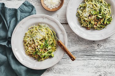 Spaghetti with vegetables, spinach and parmesan is a healthy pasta recipe