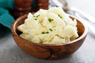 Fluffy mashed potatoes with chives
