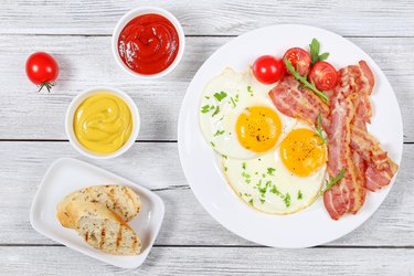 Sunny Side Up Eggs with crispy bacon