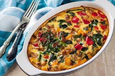 Casserole with tomatoes, mushrooms and spinach for keto slow cooker recipes