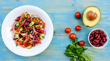Healthy Vegetarian Avocado and Kidney Bean Summer Salad