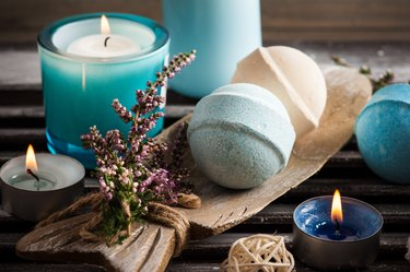 Spa composition with blue vanilla bath bombs, heather flowers