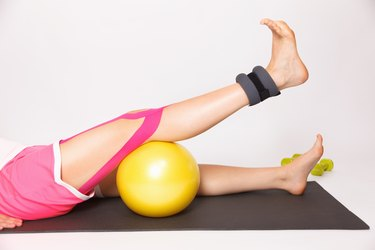 Physiotherapy treatment for knee injury