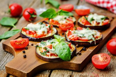 Lectin-rich pizza eggplant with tomatoes and basil