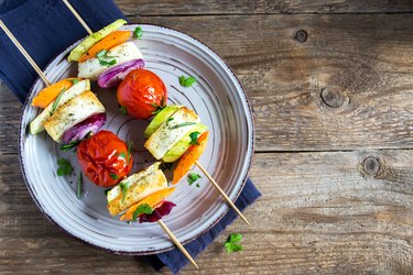 Tofu and vegetable skewers as an example of Weight Watchers dinner recipes
