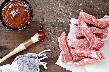 Fresh Country Ribs and Barbecue Sauce