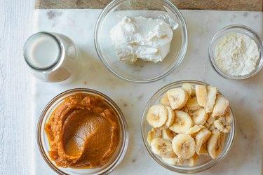 ingredients for pumpkin spice protein smoothie