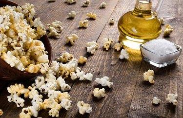 Butter-Free Turmeric Popcorn