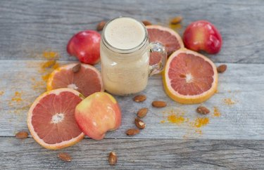Grapefruit, Ginger and Turmeric Smoothie recipe