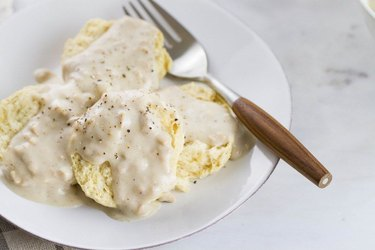 Vegan Buttermilk Biscuits and Country Gravy