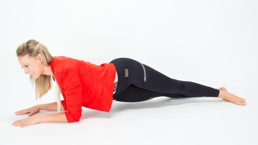 Challenge Day 8: Side-to-Side Hip-Drop Plank