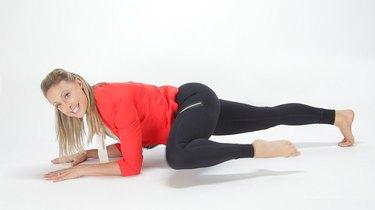 Challenge Day 10: Knee-to-Shoulder Plank