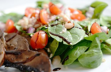 Portobello and White Bean Spinach Salad beans dinner recipes