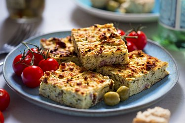 Frittata with bacon, courgette, feta