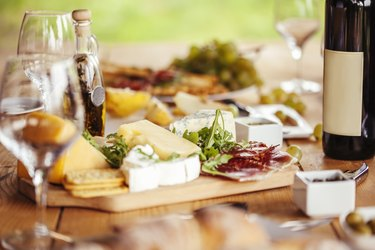 Cheese Board And Red Wine made up of histamine-rich foods