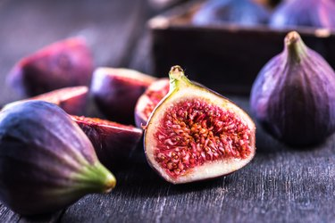 Whole and cut fresh figs, as an example of food high in rutin