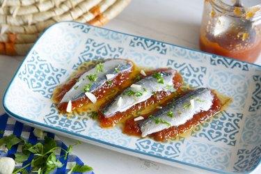 Sardines with tomato and garlic