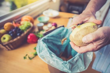 Peeling Potatoes, Vegetable Food waste
