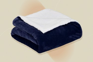 Amazon Basics Ultra-Soft Sherpa Blanket, as a gift for people with cancer