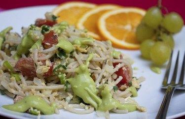 Breakfast Pasta With Avocado Sauce Plant Based Dinner Recipes