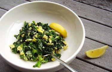 Kale Scramble Breakfast Bowl anti-inflammatory breakfast recipe.