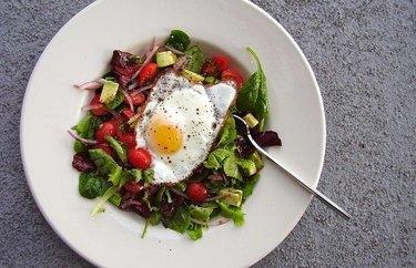 California Breakfast Salad anti-inflammatory breakfast recipe.