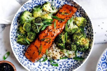 Maple soy glazed air fryer salmon recipe with broccoli and rice
