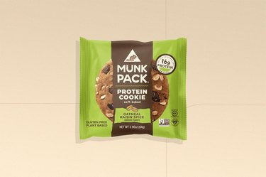 Munk Pack Oatmeal Raisin Spice Protein Cookie