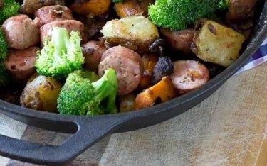 Chicken & Veggie Breakfast Skillet with green broccoli