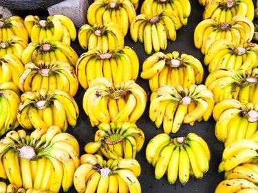 ripe bananas yellow wallpaper