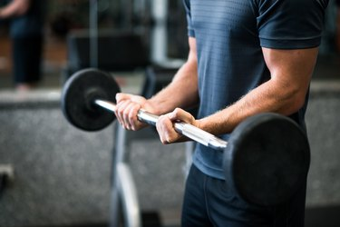 Exercise with barbell