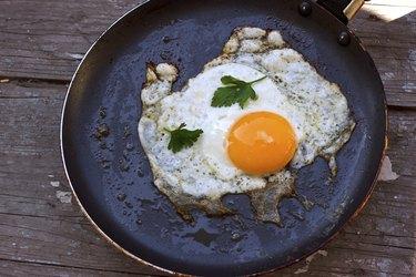 Scrambled eggs from a hen's egg