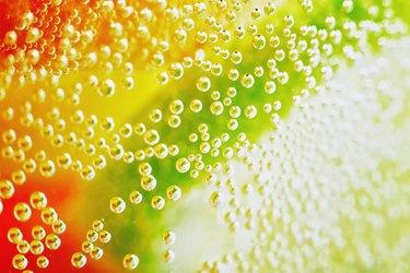 Macro bubbles in lemonade