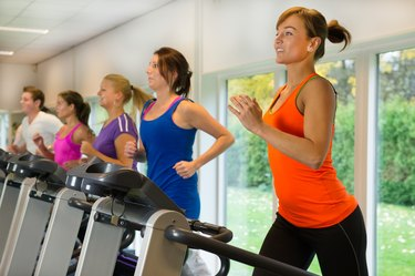 Running exercise in the sportclub