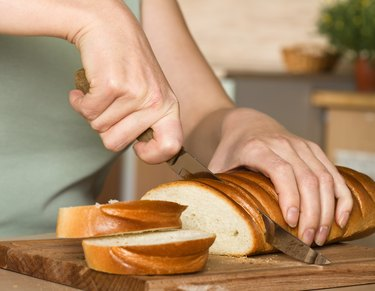 Slicing of bread