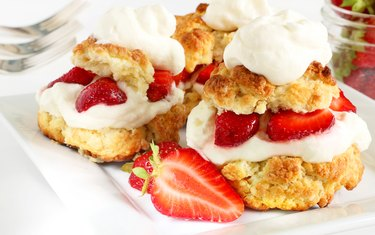 Scones, strawberries and cream