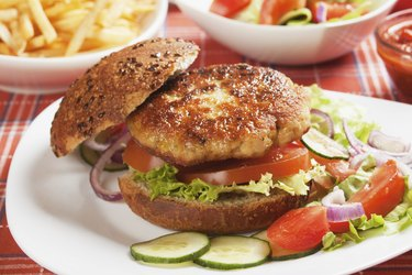 Vegetarian burger with fresh vegetables