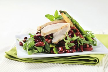 Chicken breast with red beans and arugula