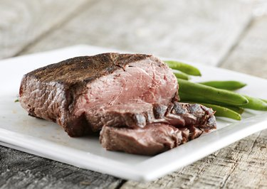 steak cooked rare with greenbeans