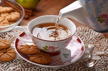 pour the tea