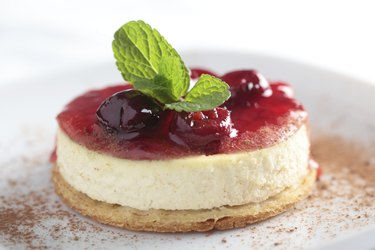 Cheesecake with jam