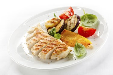 Grilled white meat and vegetables