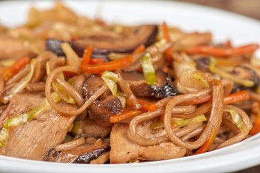 buckwheat noodles with chicken