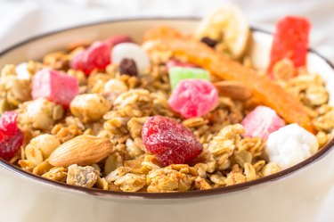 Muesli with fruit and nuts