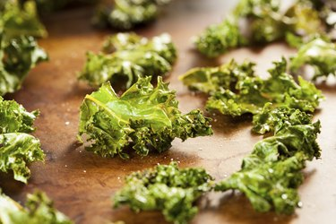 Homemade Organic Green Kale Chips
