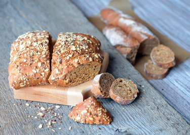 Whole grain bread with sunflower seeds, flax and grain