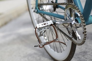 Bicycle detail of chain and pedal