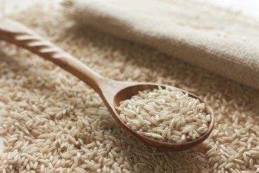 Brown uncut rice