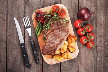 Beef steak with potato and vegetables