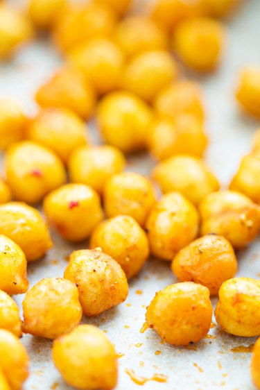 Roasted spicy and crunchy chickpeas